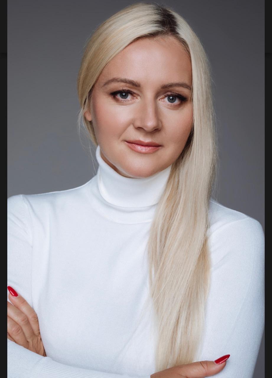 Trycholog  Dominika  Stengerd
